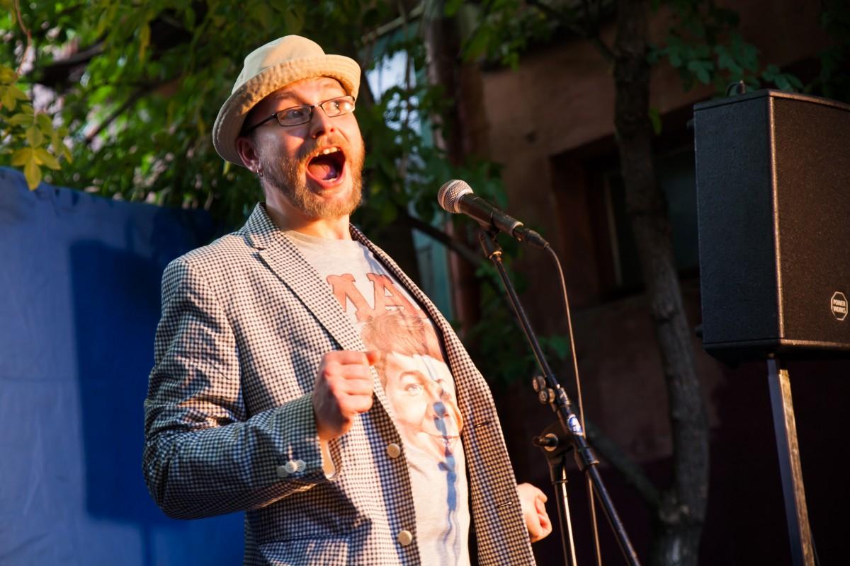 Moderator Michael Jakob