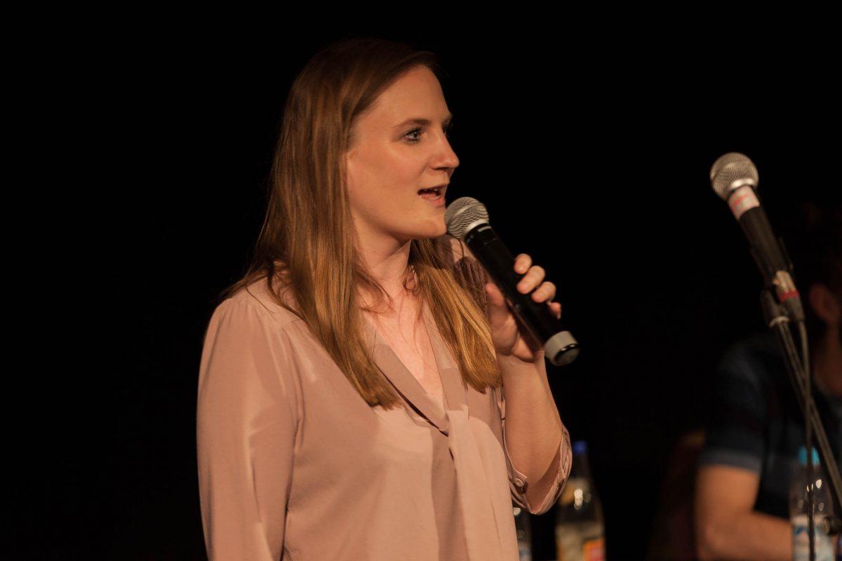 Moderatorin Carmen Wegge