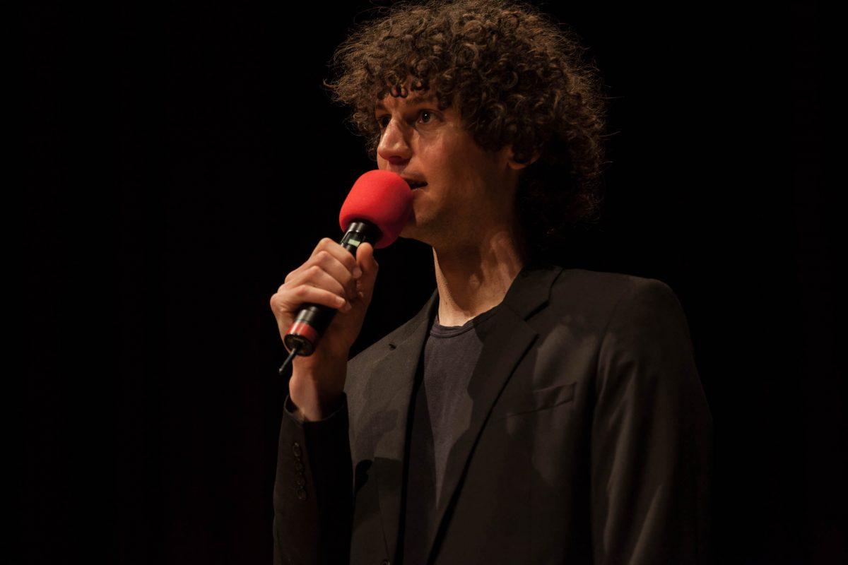 Moderator Lucas Fassnacht